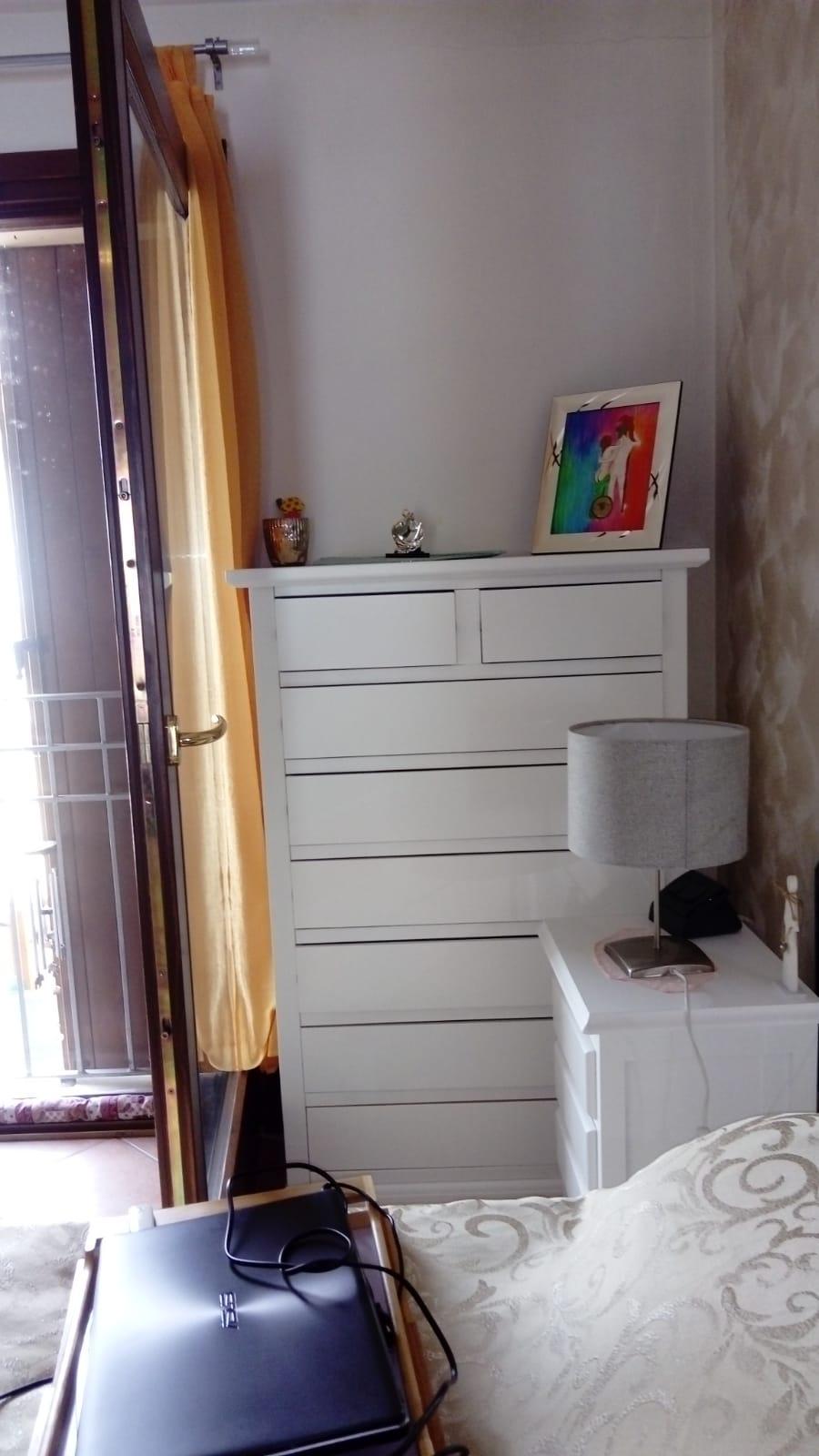 CASSETTIERA 6+2 CASS BIANCO OPACO fornita dal cliente